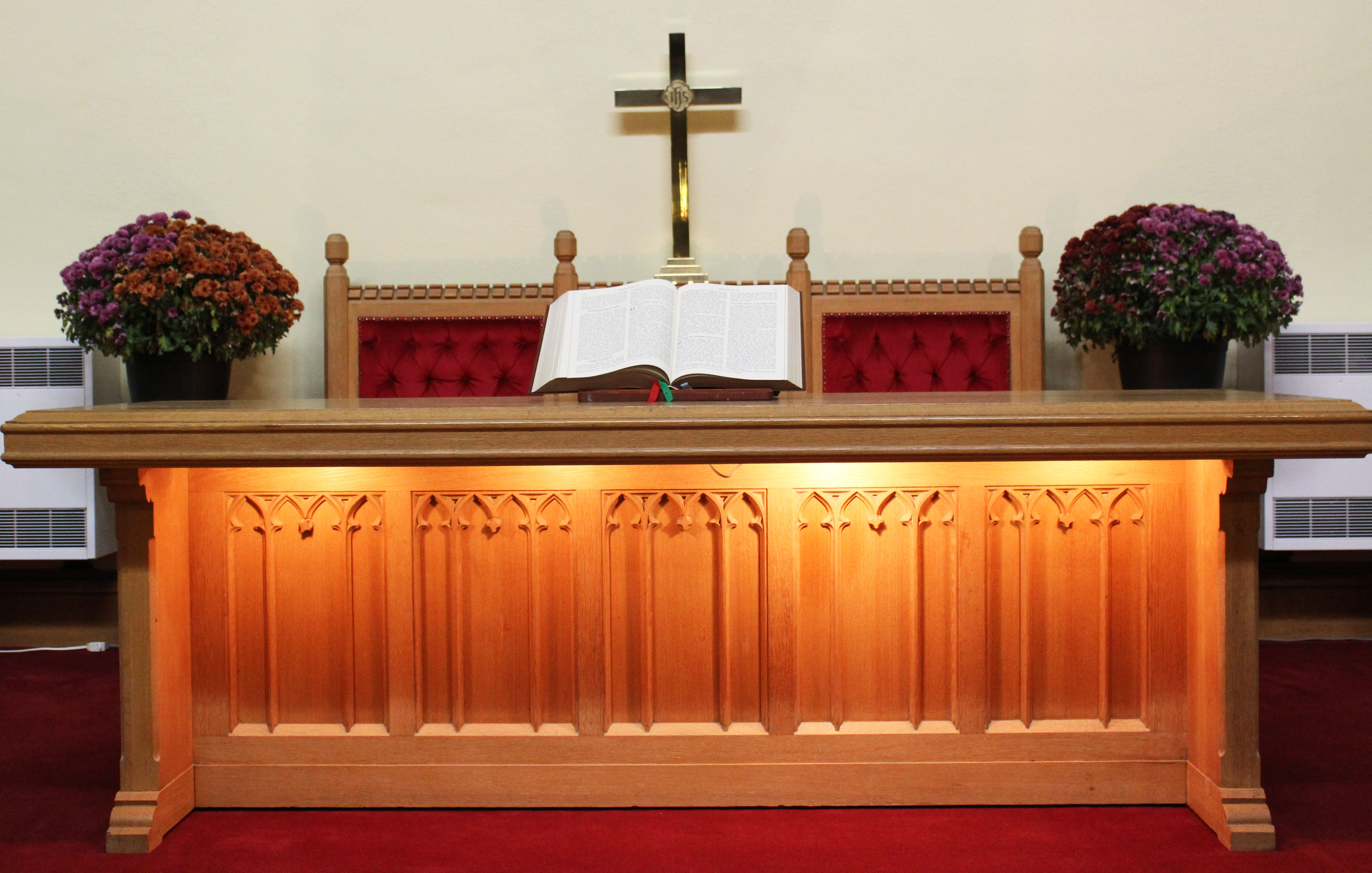 communion table – macnab presbyterian church